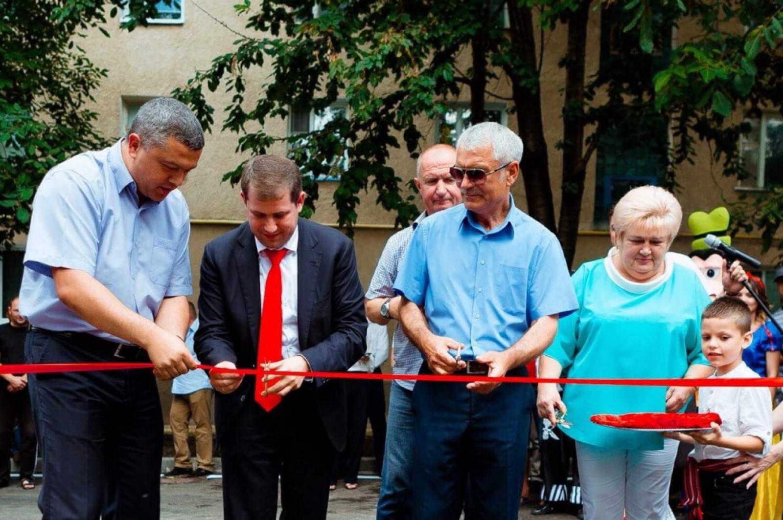 (foto) Încă 3 curți ale blocurilor de locuit din Orhei au fost modernizate