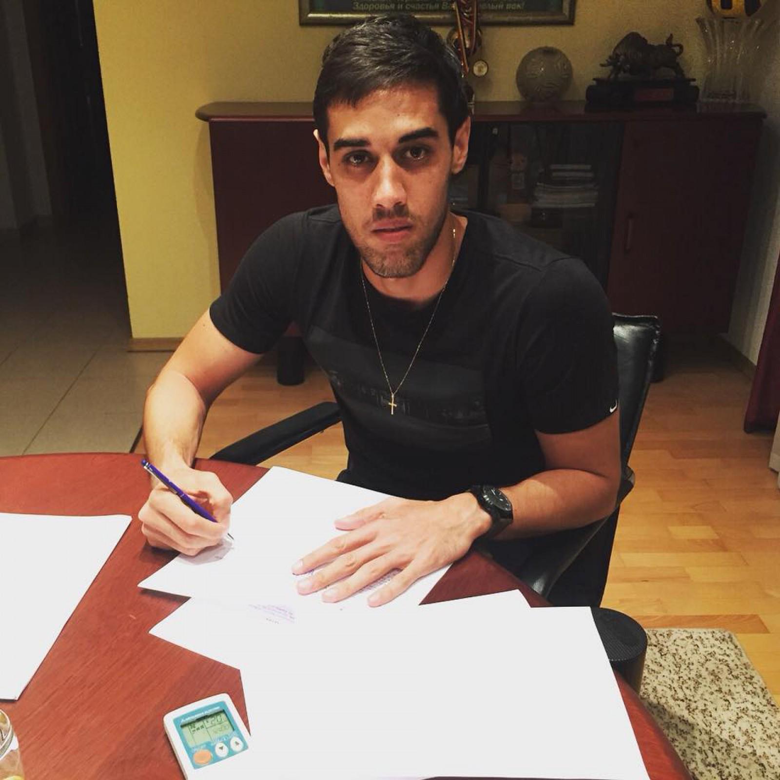 (foto) Achiziții noi la Zimbru Chișinău! Galben-verzii au semnat cu un portar trecut pe la Sporting Lisabona și cu un fundaș brazilian format la Sao Paolo