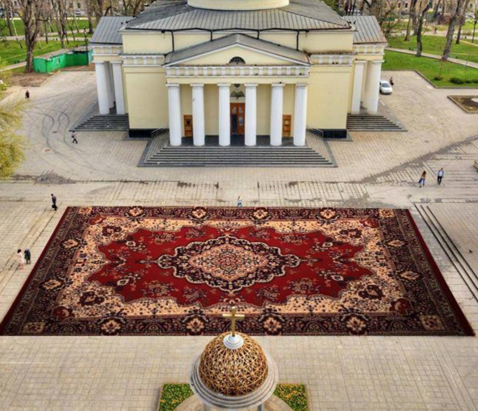 (foto) Altfel.md: Cum au reacționat internauții la covorul de flori al Silviei Radu
