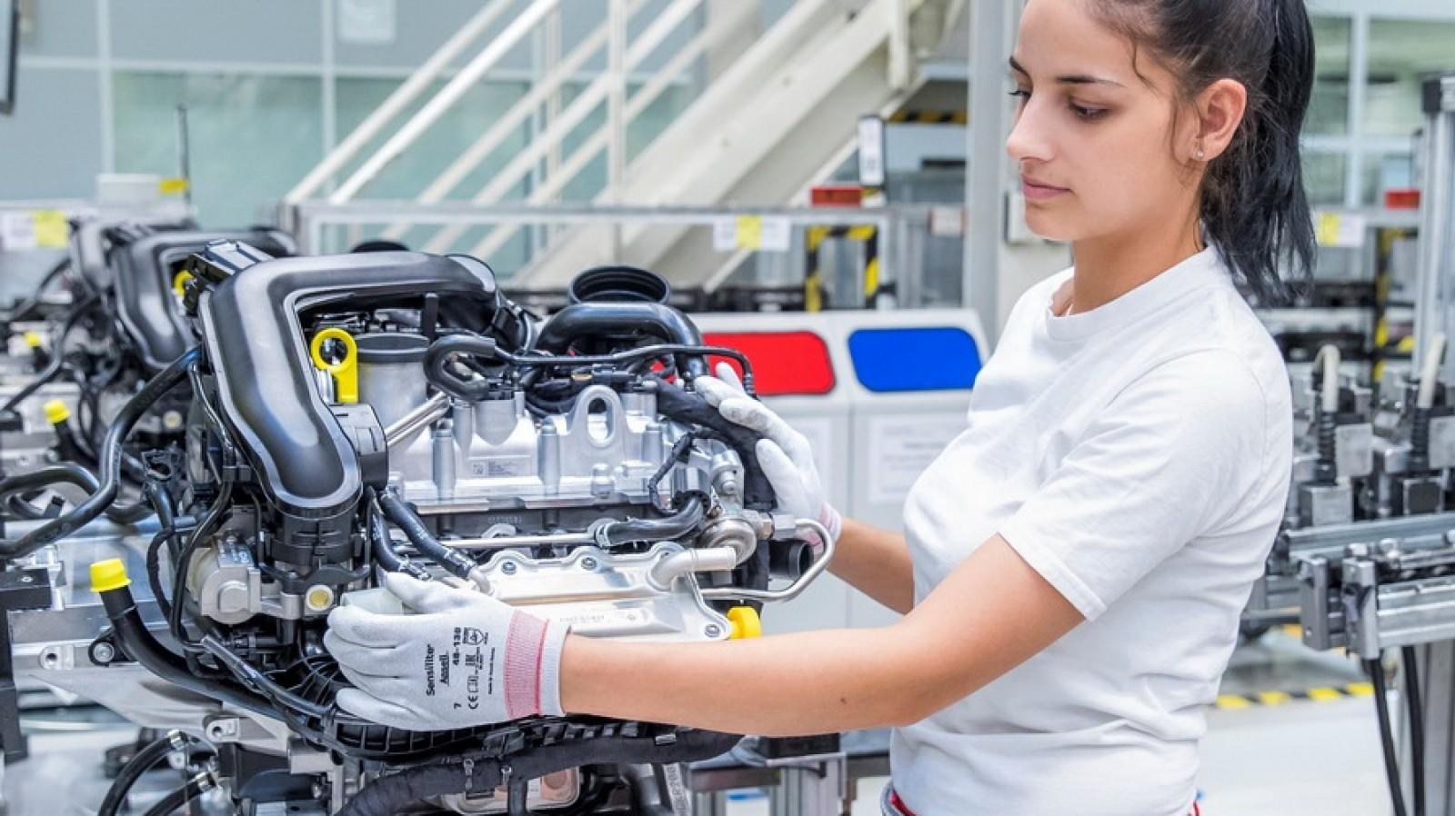 (foto) Audi a început să facă un nou motor cu trei cilindri! Va propulsa cel puţin patru maşini din VW AG