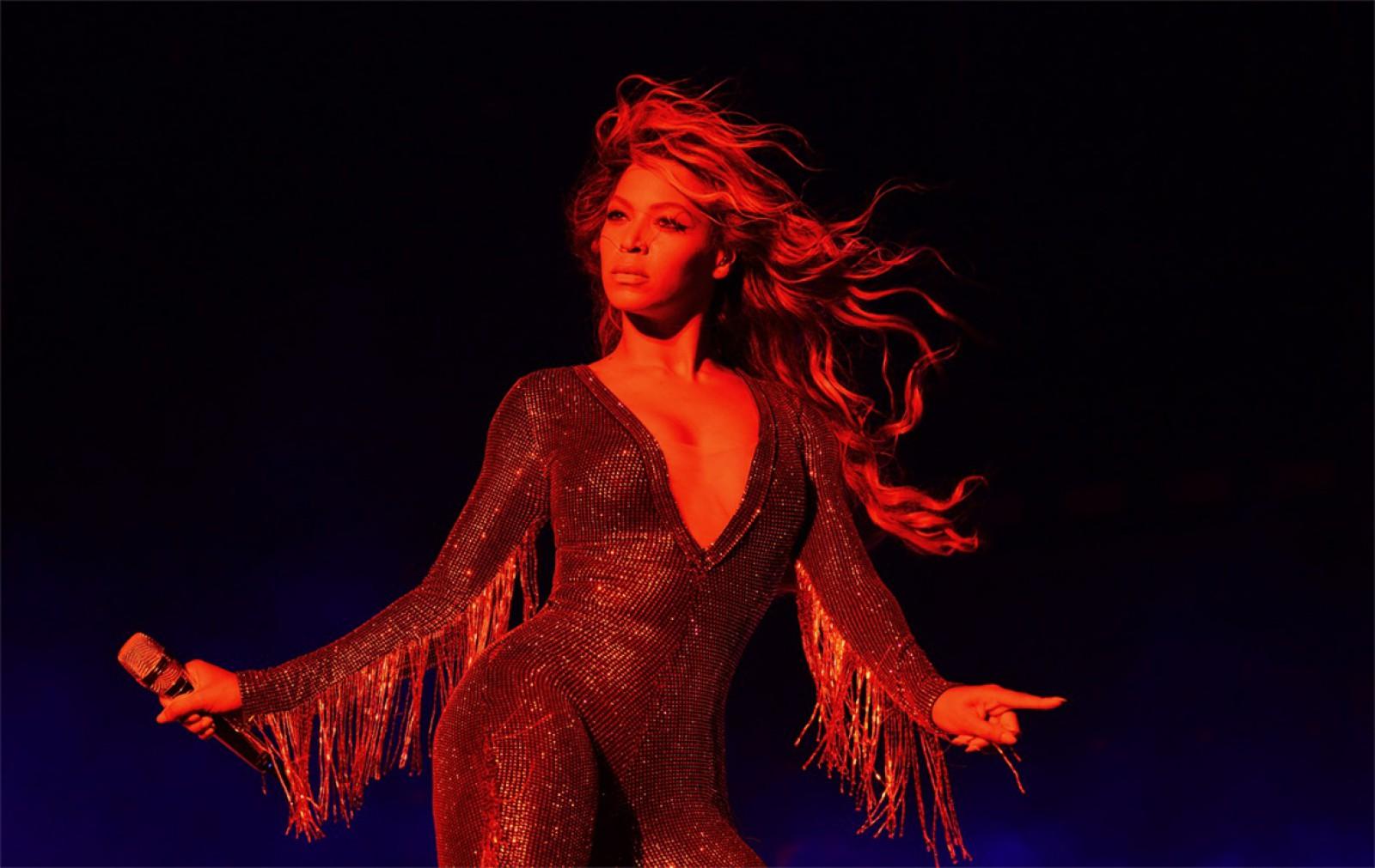 """(foto) Beyonce, însărcinată cu al patrulea copil: Sursele declară că interpreta este """"super fericită"""" de noul membru al familiei"""