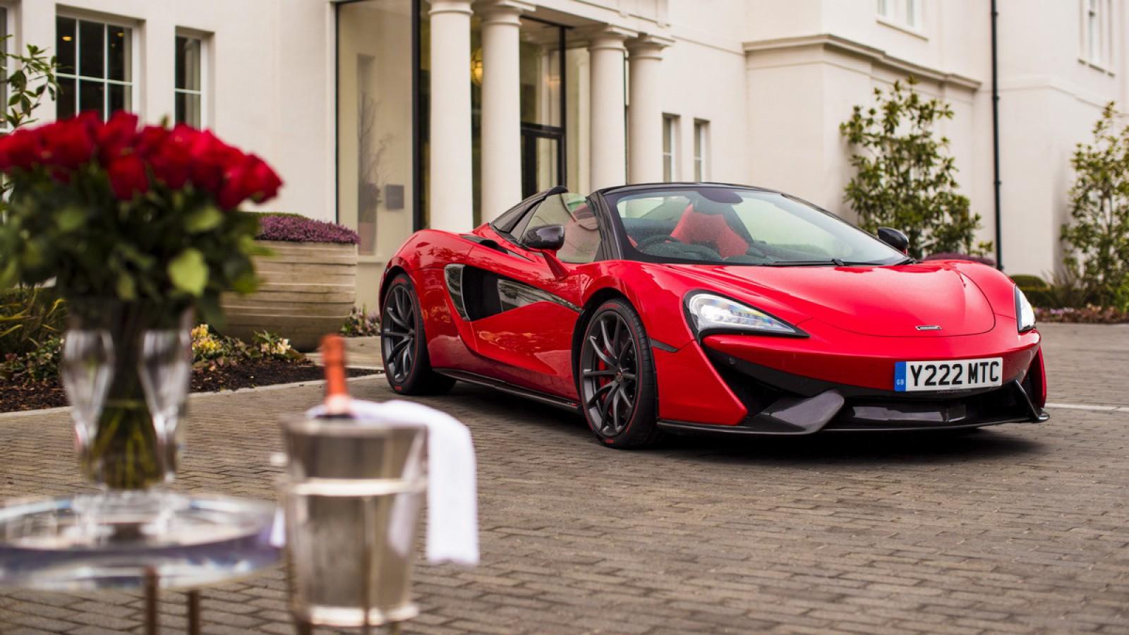 (foto) Cadoul perfect. Un bărbat i-a dăruit iubitei sale un McLaren făcut la comandă de MSO