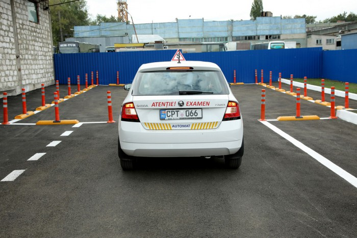 (foto) Chişinău: A fost dat în exploatare un nou poligon de examinare la proba practică, la categoria B