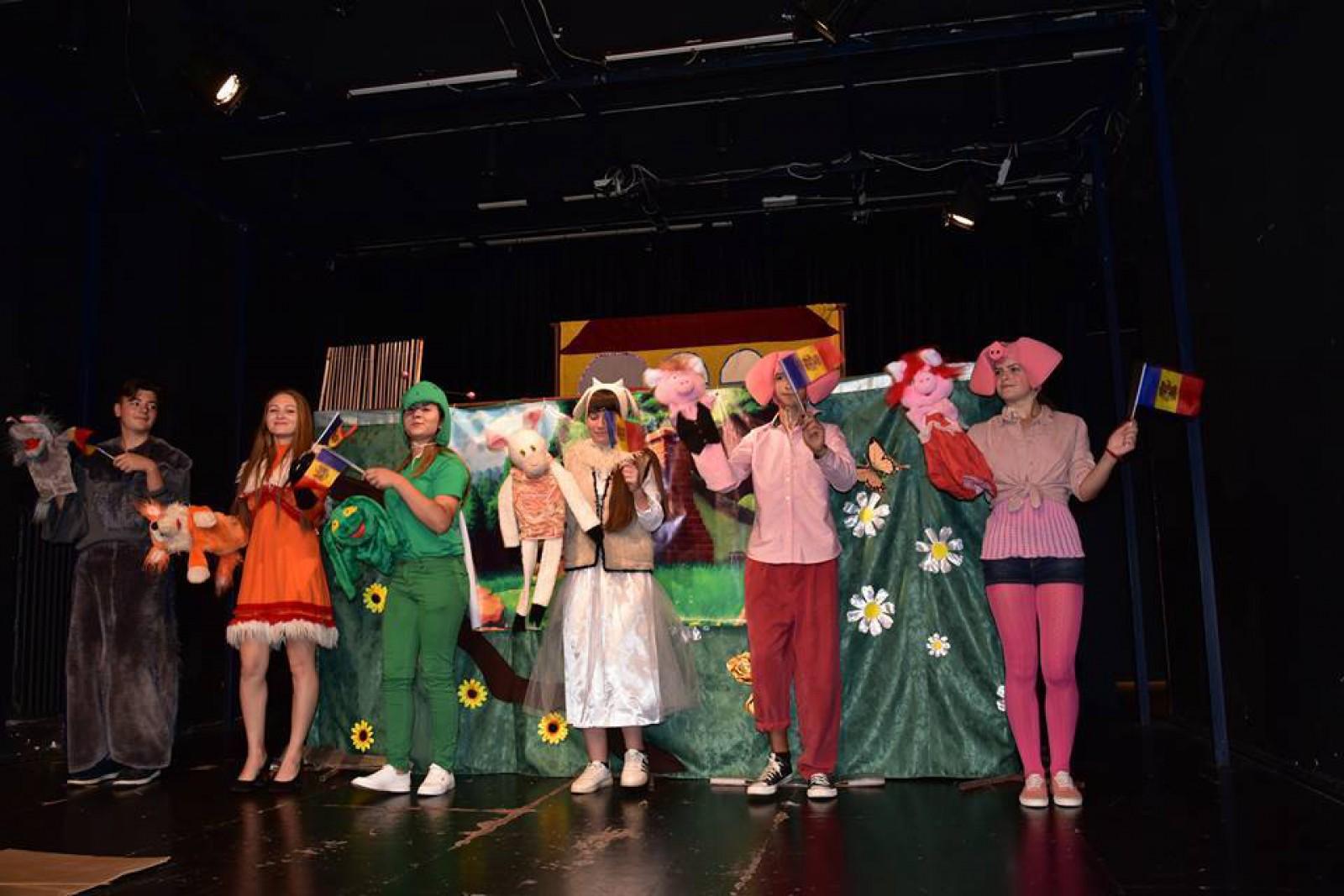 (foto) Copilărie - dulce feerie. Copiii din diasporă au avut parte de un spectacol excepțional la Teatrul Pygmalion din Viena de ziua lor