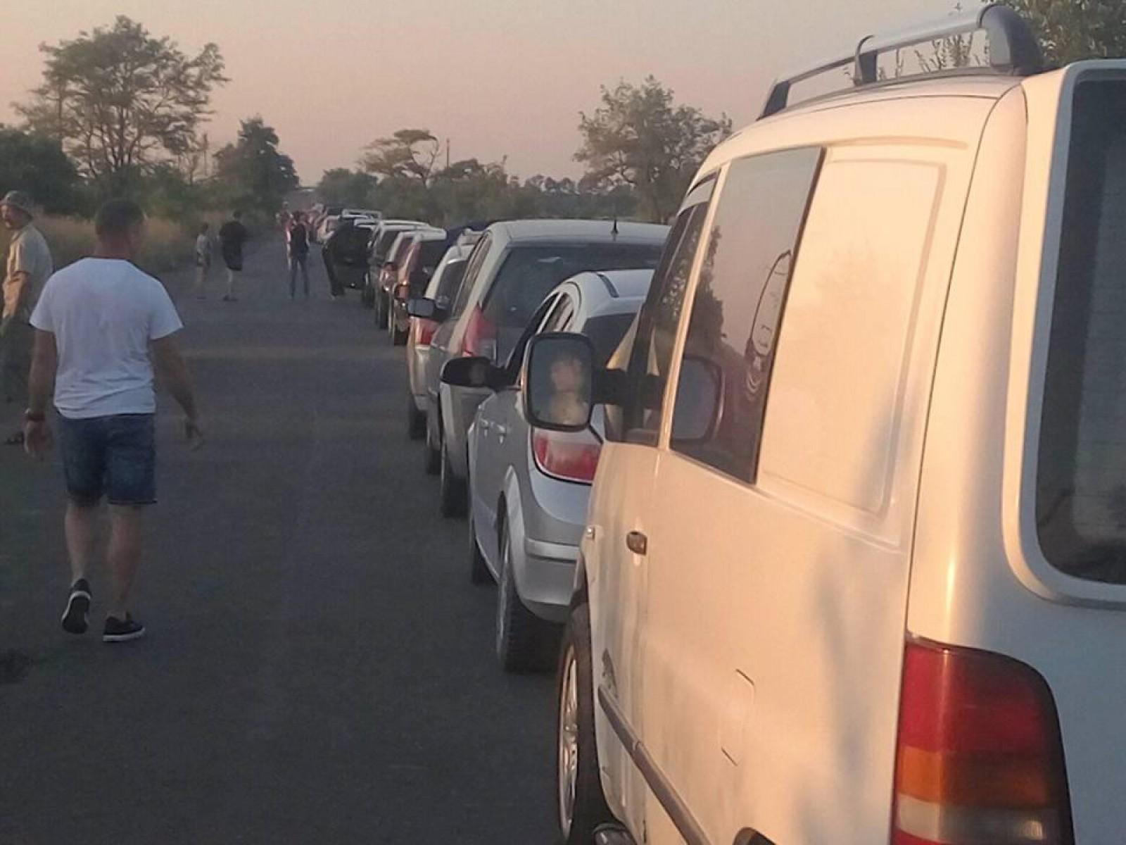 (foto/update) Coadă de mașini se înregistrează la punctul de trecere Palanca: Circa 50 de mijloace de transport așteaptă trecerea frontierei de stat