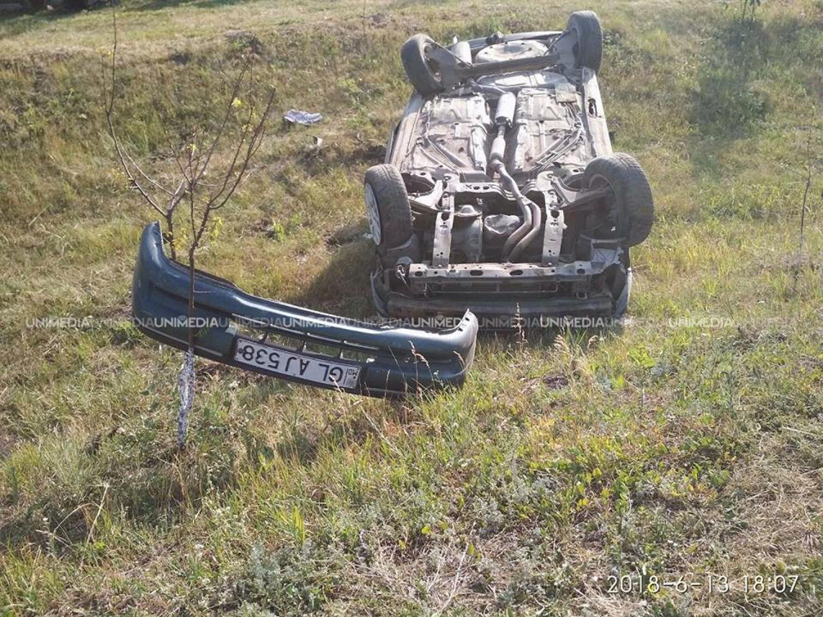 (foto) Două automobile s-au tamponat violent la Glodeni: Un copil de trei ani, spitalizat