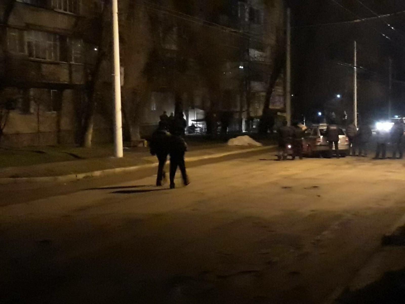 (foto) Focuri de armă în orașul Bender: Așa zișii mascații de la OMON, gata să intervină în forță