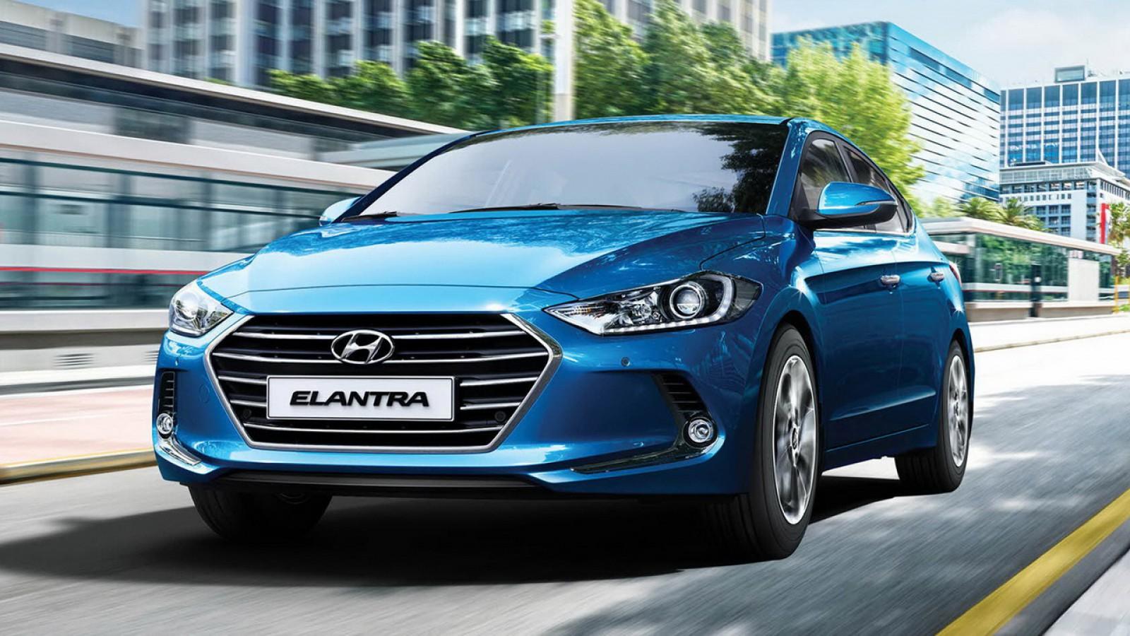 (foto) Hyundai Elantra facelift se pregăteşte pentru debut şi va arăta diferit de toate modelele din gamă