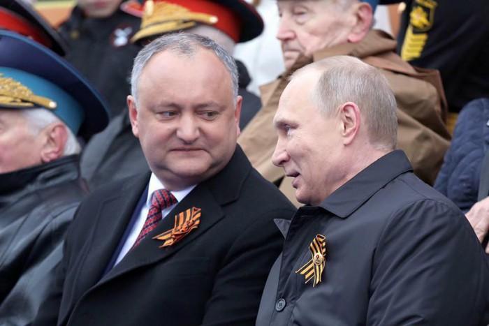 """(foto) Igor Dodon l-a felicitat pe Vladimir Putin cu ziua sa de naștere: """"Am transmis cele mai calde și prietenoase urări de bine, sănătate, longevitate"""""""