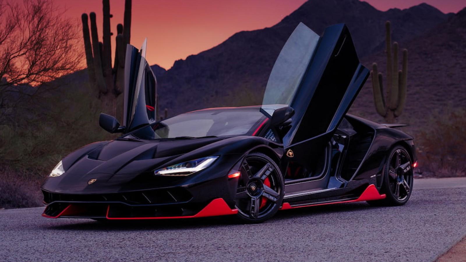 (foto) Maşină exclusivă. Cu doar 79 de km parcurşi, un Lamborghini Centenario îşi caută un nou proprietar