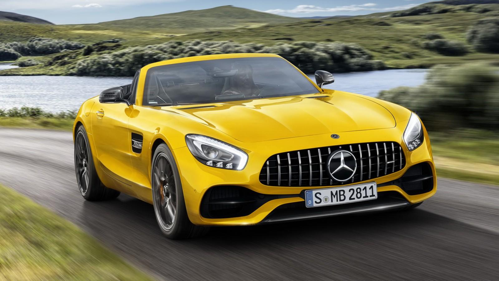 (foto) Mercedes-AMG lansează o nouă decapotabilă cu 522 de CP – AMG GT S Roadster