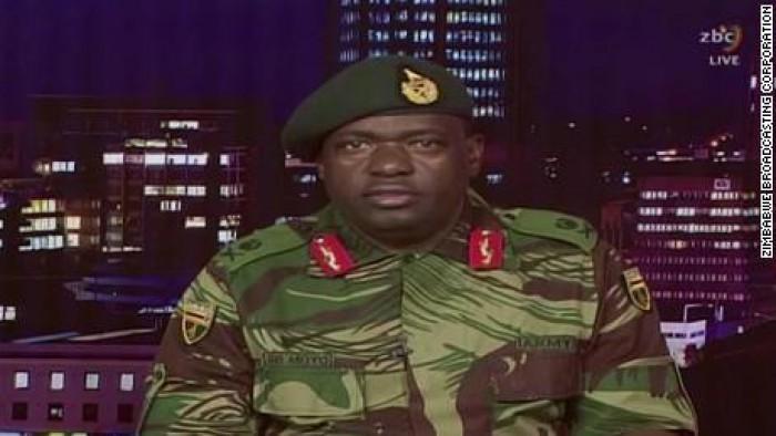 (foto) Militarii au preluat controlul în Zimbabwe și l-au reținut pe președinte, care este la putere din 1980