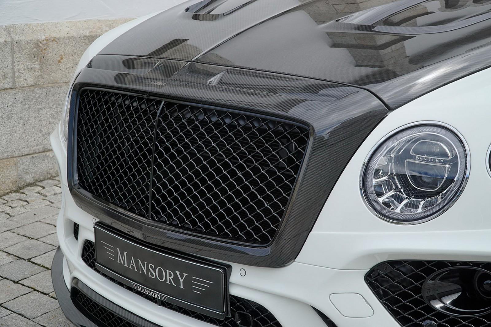 (foto) O premieră pe drumurile moldoveneşti! Maşina de peste 250000 de euro – Bentley Bentayga by Mansory