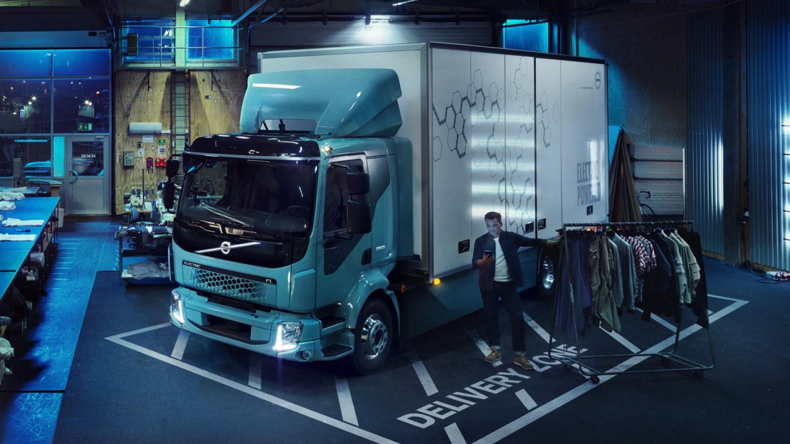 (foto) Premieră mondială: Noul FL Electric este primul camion complet electric al Volvo Trucks