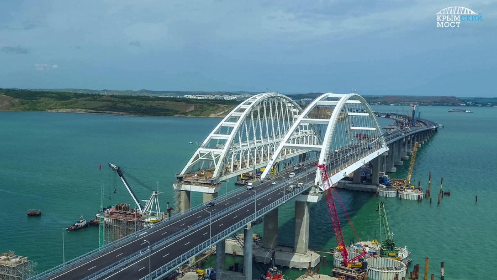 """(foto) """"Rusia va plăti scump"""": Primele reacții internaționale după inaugurarea controversatului Pod al Crimeei"""