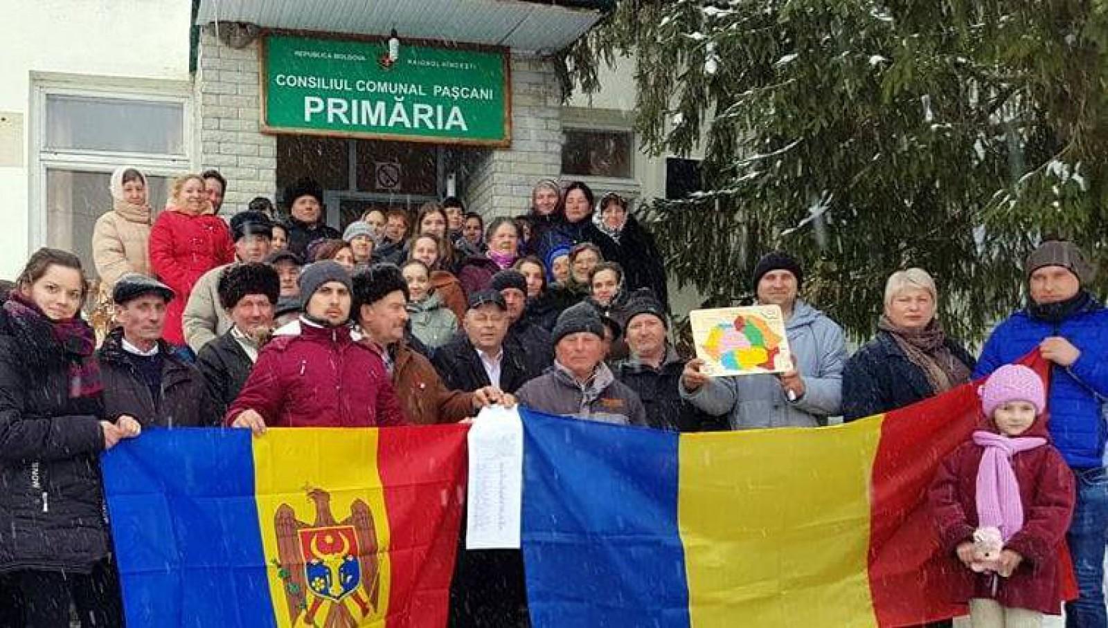 (foto) Satele Pașcani și Pereni au semnat declarații simbolice de Unire cu România