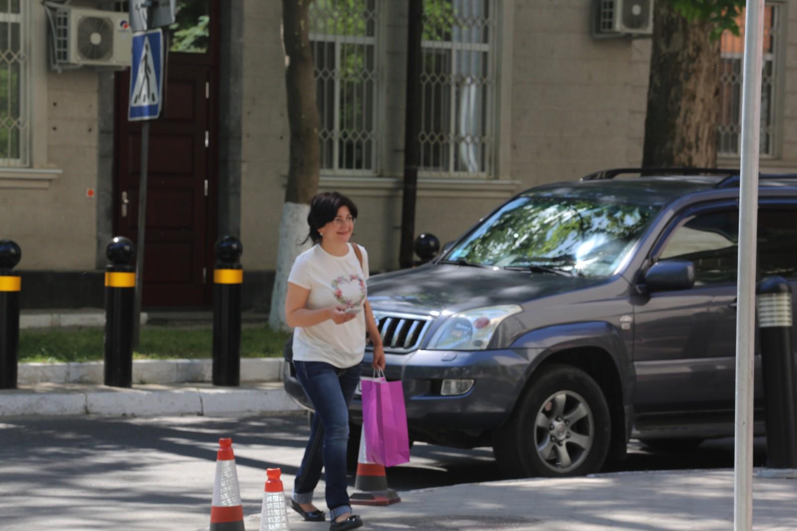 """(foto) Silvia Radu, în blugi, în prima zi de după alegeri: A revenit la """"activitățile personale"""""""