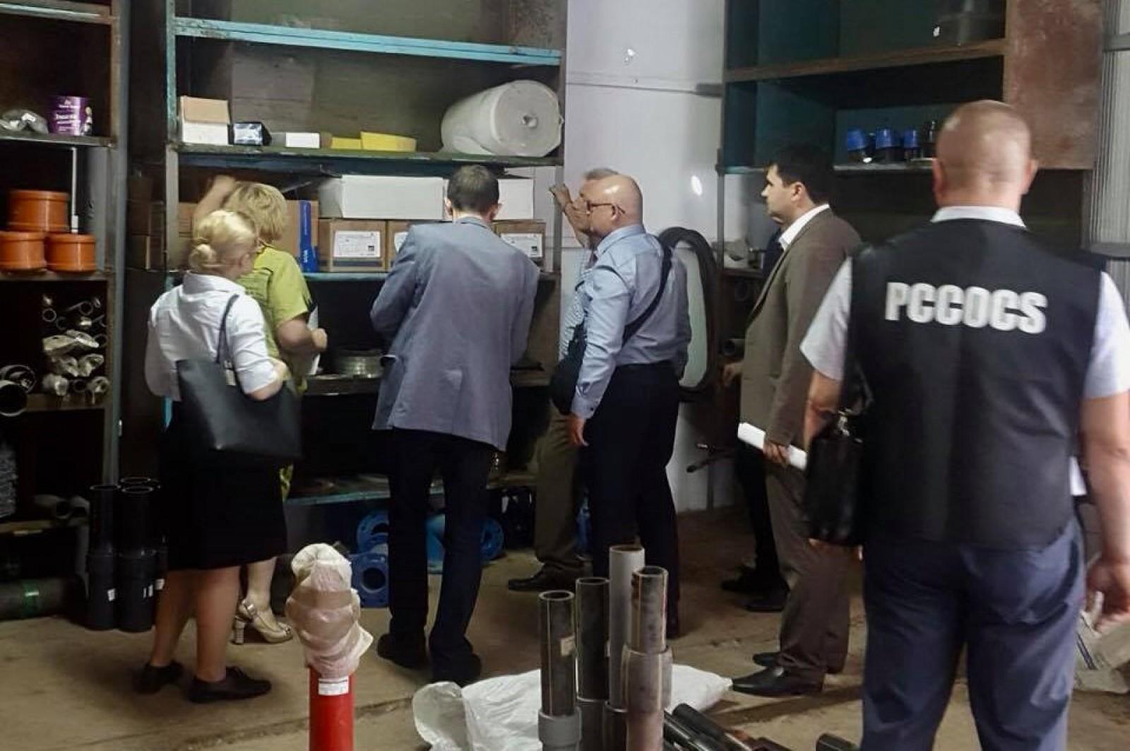 (foto) Trei persoane, printre care și un primar din Găzăuzia, au fost reținute: Delapidarea în cazul unui proiect local de construcție a sistemului de canalizare