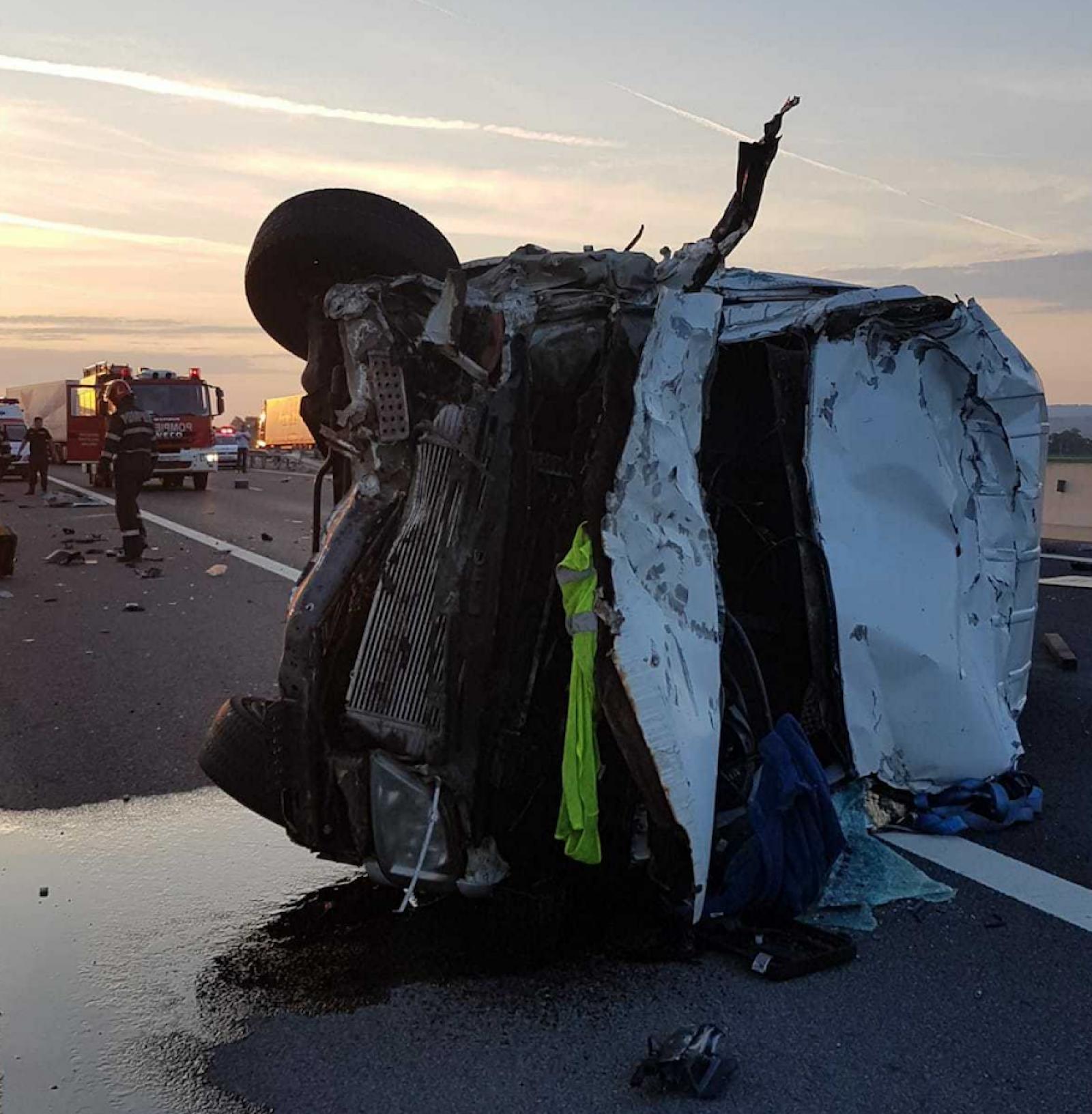 (foto) Un cetățean moldovean a murit într-un accident în România, după ce a pierdut controlul volanului