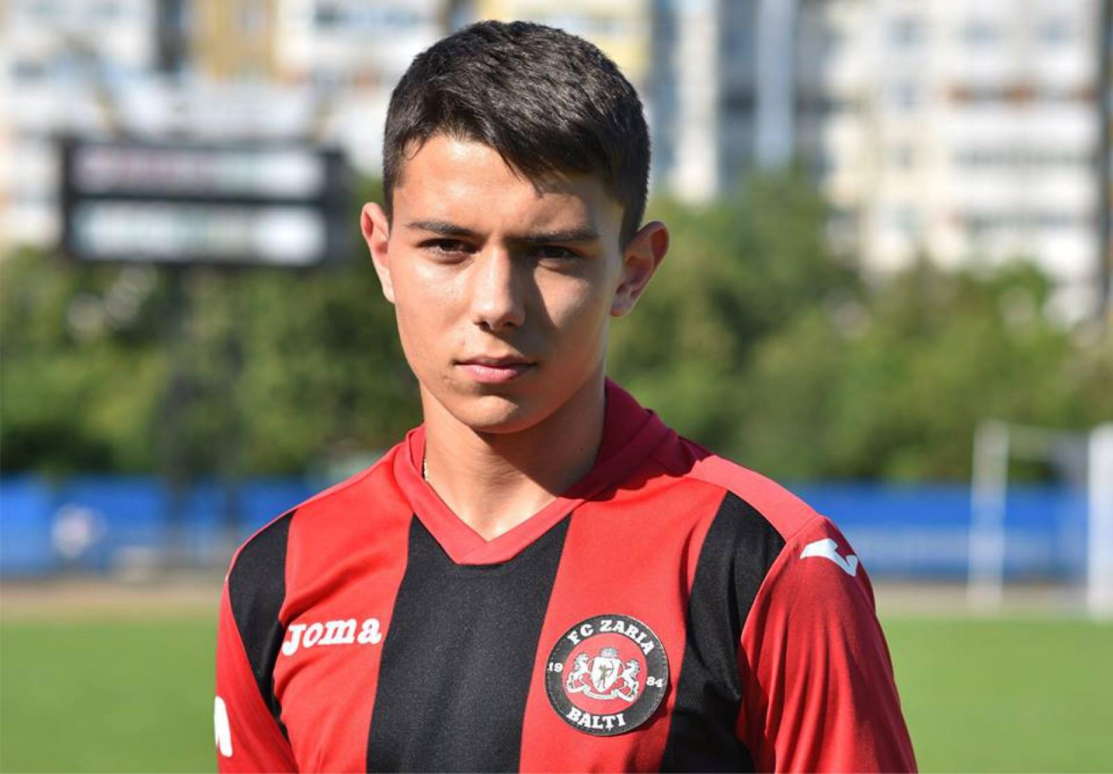 (foto) Un nou moldovean în Serie A. Fundașul lui Zaria Bălți Daniel Dumbravanu va juca la Genoa CFC
