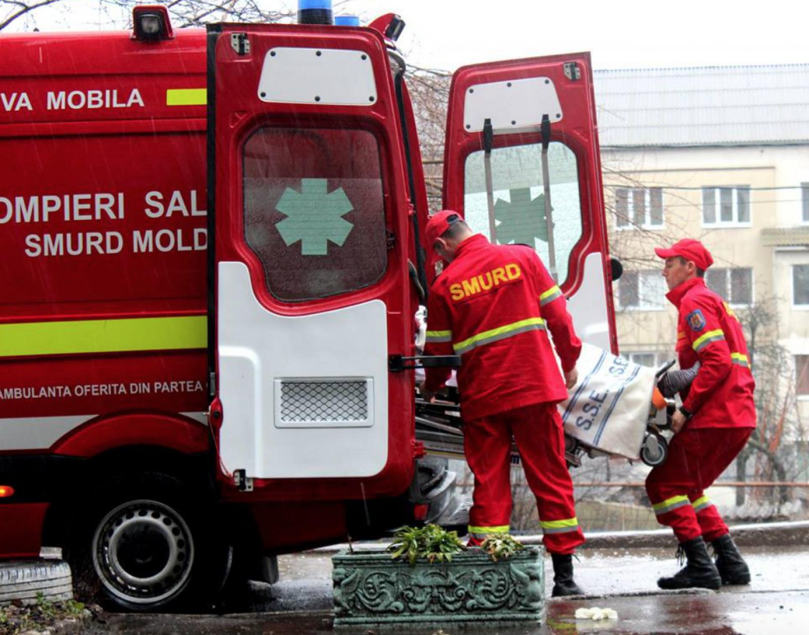 (foto/video) Moldoveanca, preluată din Italia de echipajul SMURD, a ajuns acasă. Toată intervenția a durat 72 de ore