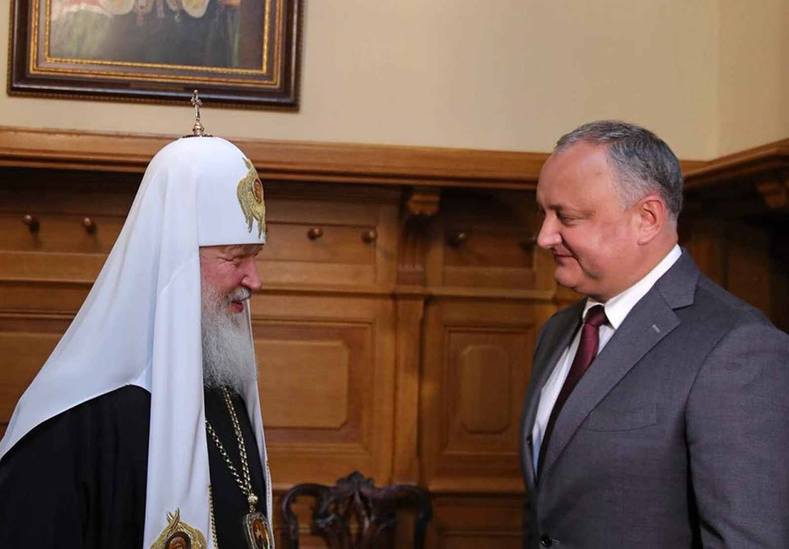 Înainte de marea deschidere a Cupei Mondiale FIFA 2018 la care a fost invitat, Dodon a decis să aibă o întrevedere cu Patriarhul Chiril