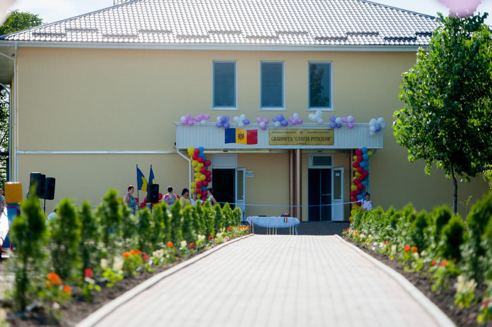 Guvernul României a decis să mai aloce alte trei milioane de euro pentru renovarea grădinițelor din Moldova