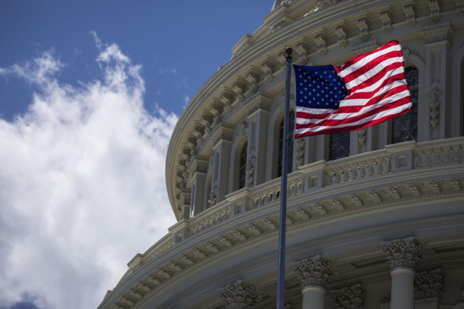 Guvernul Statelor Unite a intrat în blocaj. Mai multe agenţii federale vor fi închise, iar sute de mii de angajaţi din administraţie vor fi afectaţi