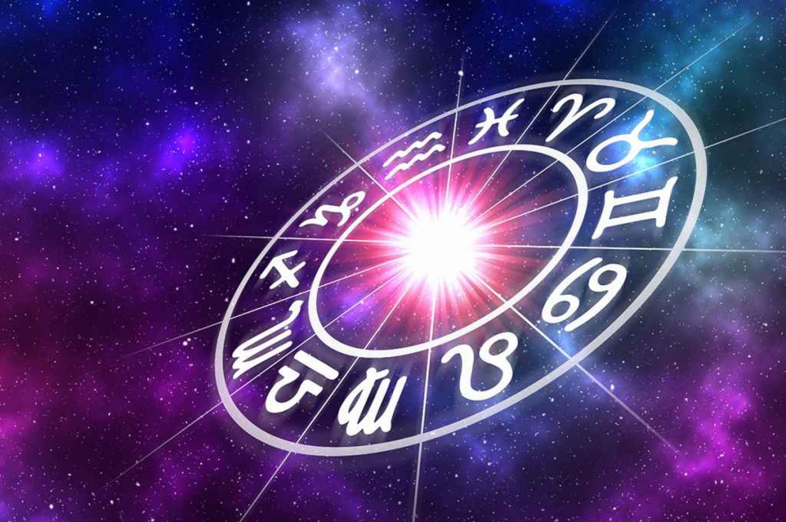 Horoscop zilnic 14 februarie 2018: Berbecii înregistrează succese profesionale remarcabile