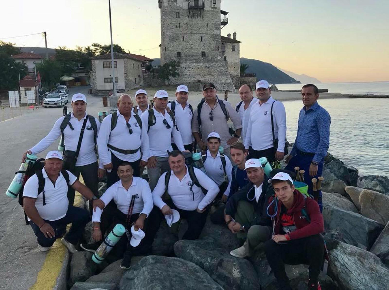 Igor Dodon a plecat în vacanță pe Muntele Athos. De cine este însoțit șeful statului