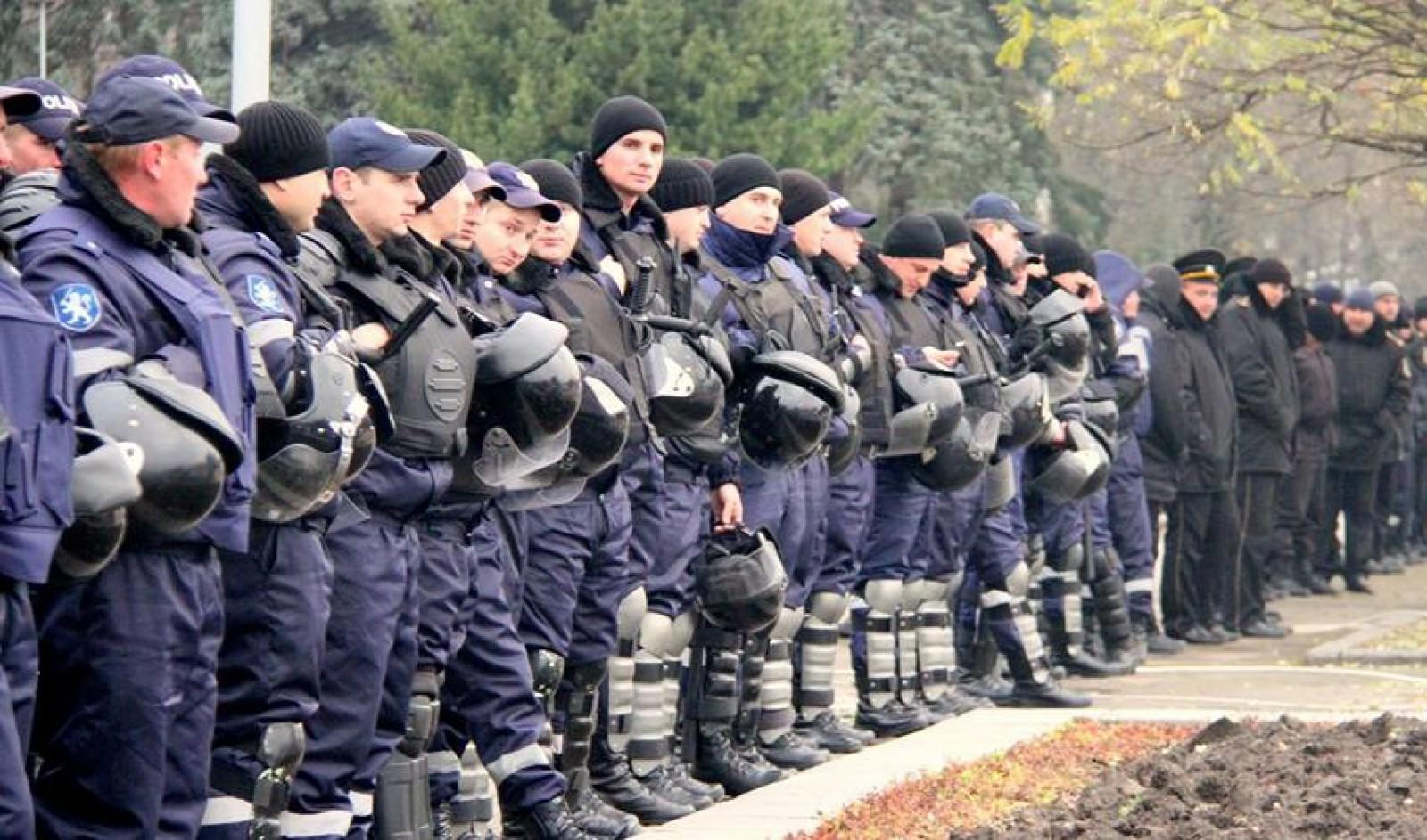 IGP cheamă moldovenii înapoi; O campanie prin care cetățenii RM, care lucrează în poliție peste hotare, pot să vină să ofere lecții oamenilor legii din Moldova