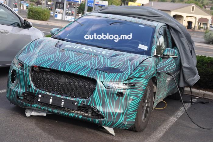 Imagini spion: Iată cum va arăta interiorul noului Jaguar I-Pace