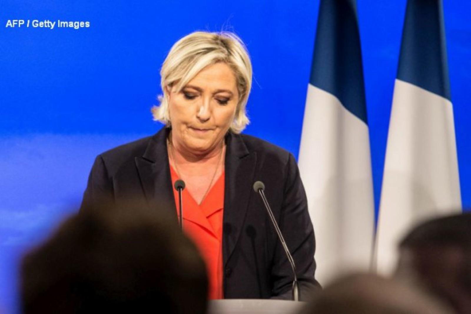 Importantă politiciană din Franța, obligată să returneze Parlamentului European 300.000 de euro