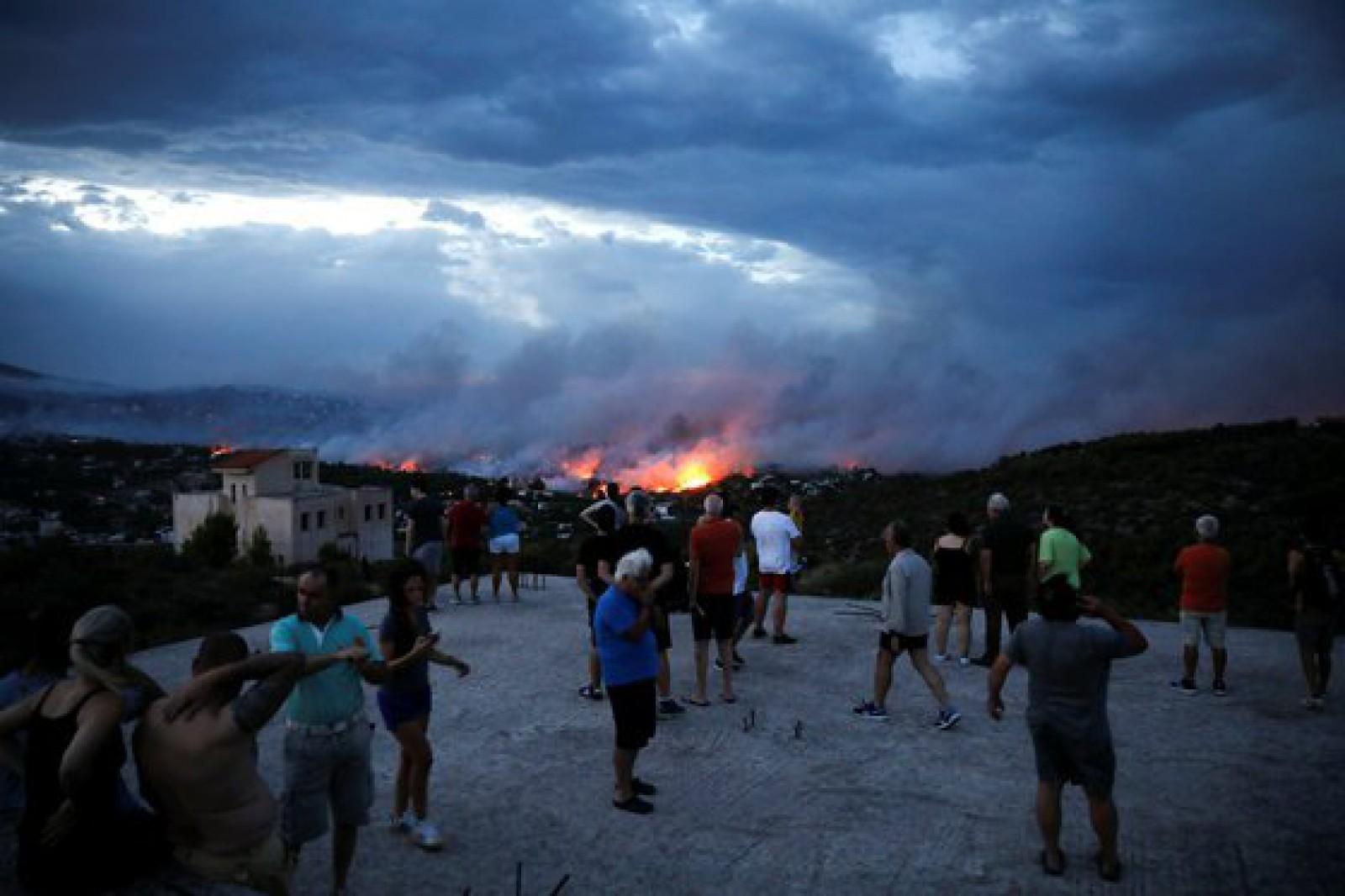 Incendiile devastatoare din Grecia: MAEIE îndeamnă cetățenii Republicii Moldova să se abțină de la călătorii în zonă