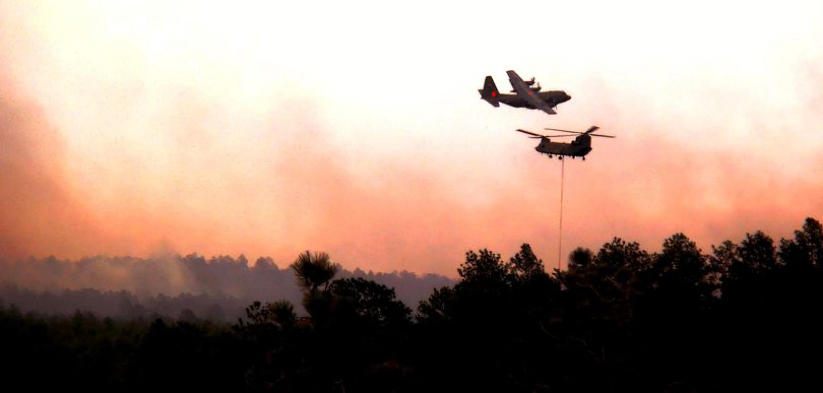 Incendiu de vegetație în Colorado: Peste 2000 de locuințe, evacuate și mii de hectare distruse de flăcări