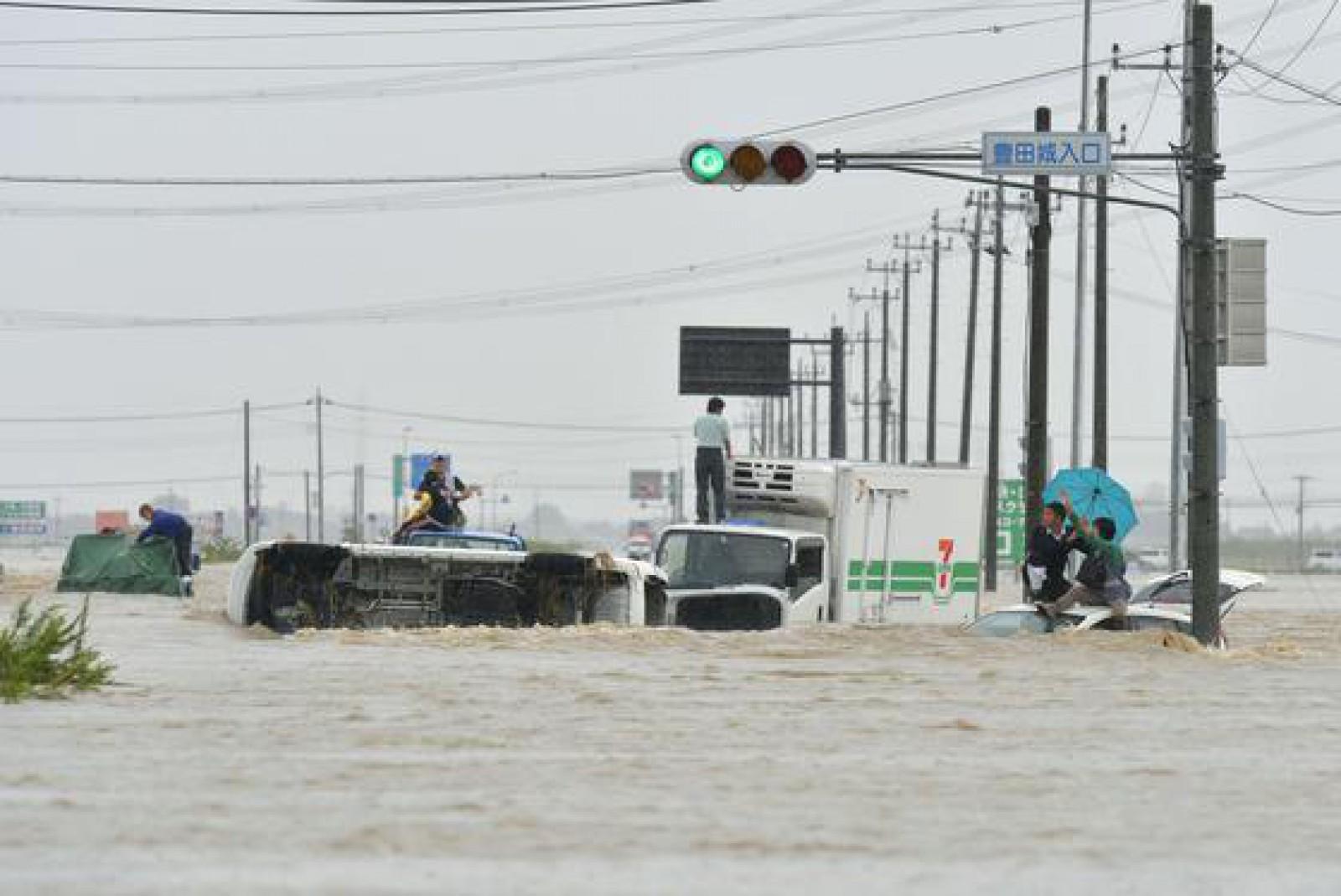 Inundaţiile devastatoare din Japonia: Bilanţul a ajuns la 141 de morţi