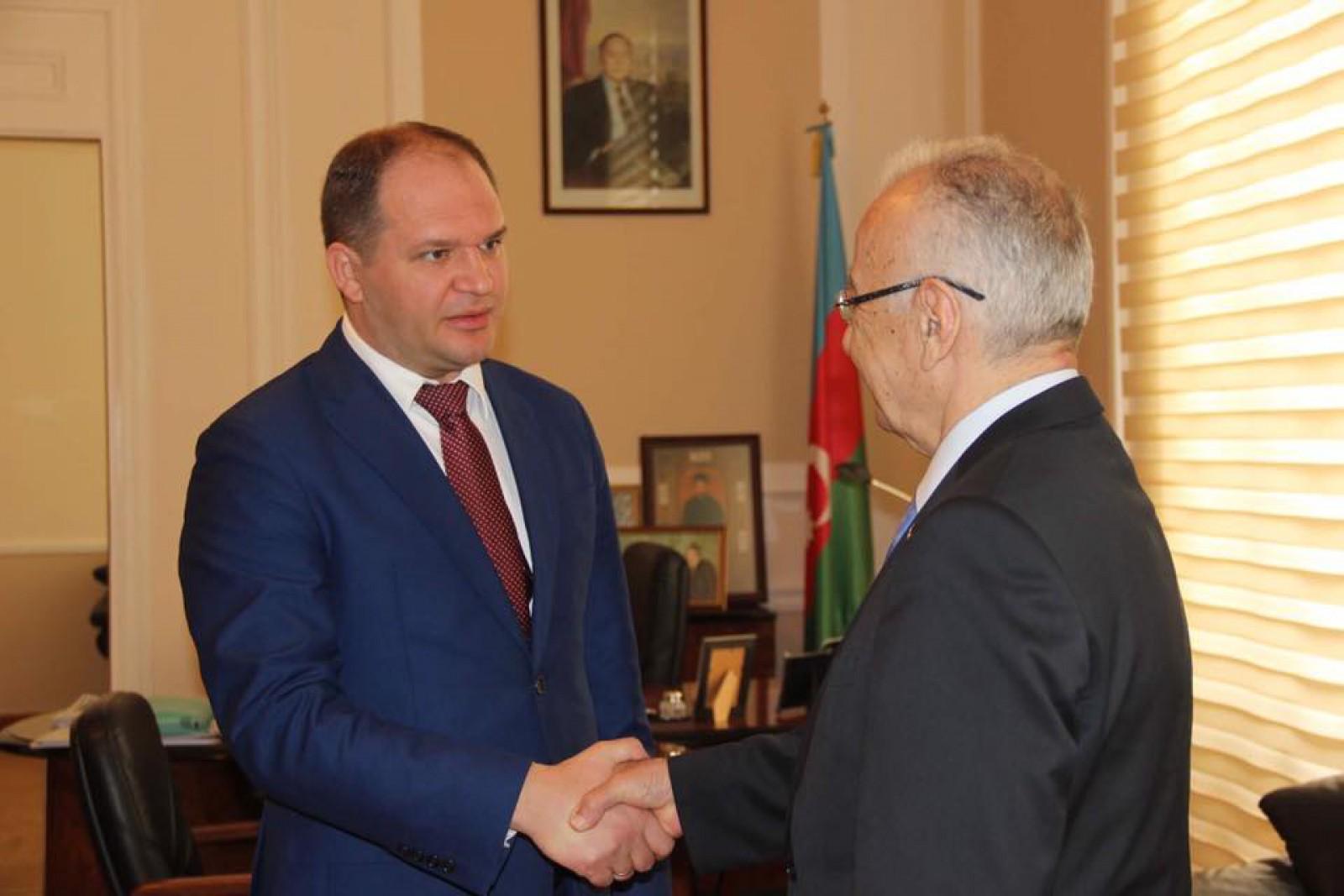 Ion Ceban s-a întîlnit cu primarul orașului Baku