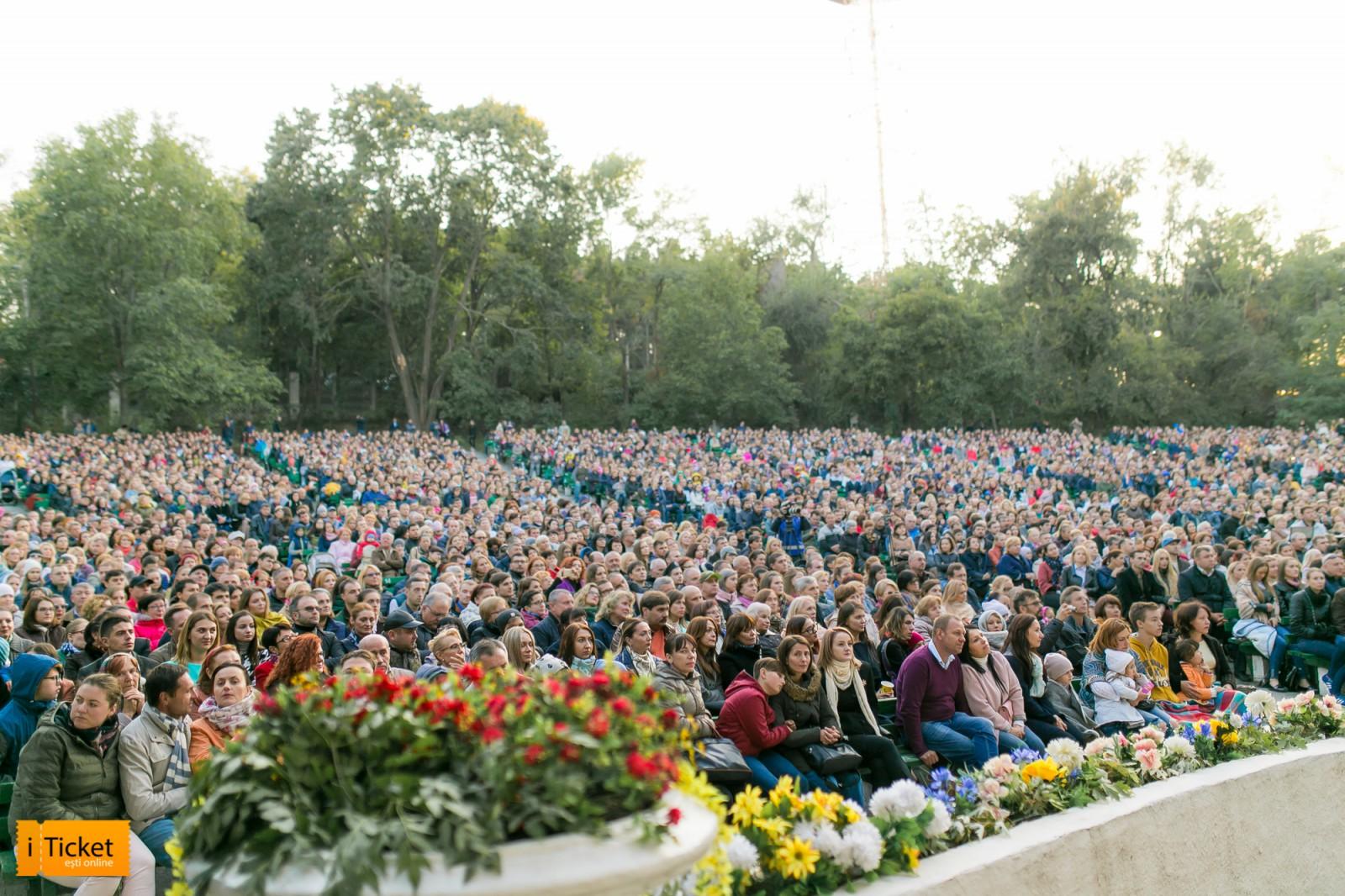 Iubim Chișinăul - o nouă seară în parc alături de cei mai iubiți interpreți și artiști din Moldova