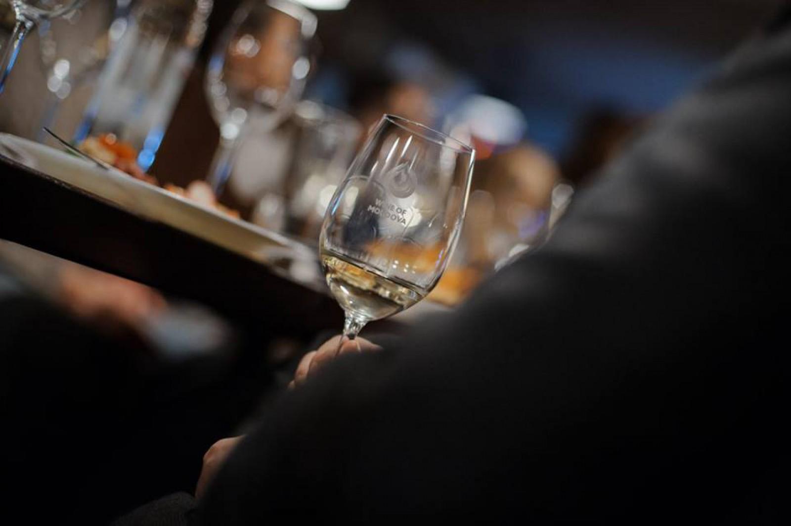 """""""Kiku Steak & Wine"""" – destinație culinară și Wine Friendly: Învață cu gust abecedarul asocierilor oeno-gastronomice!"""