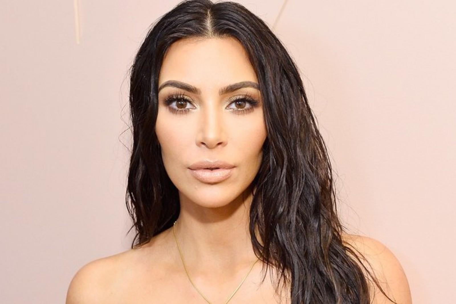 Kim Kardashian ar fi făcut lobby pentru introducerea unui buton de editare pe Twitter