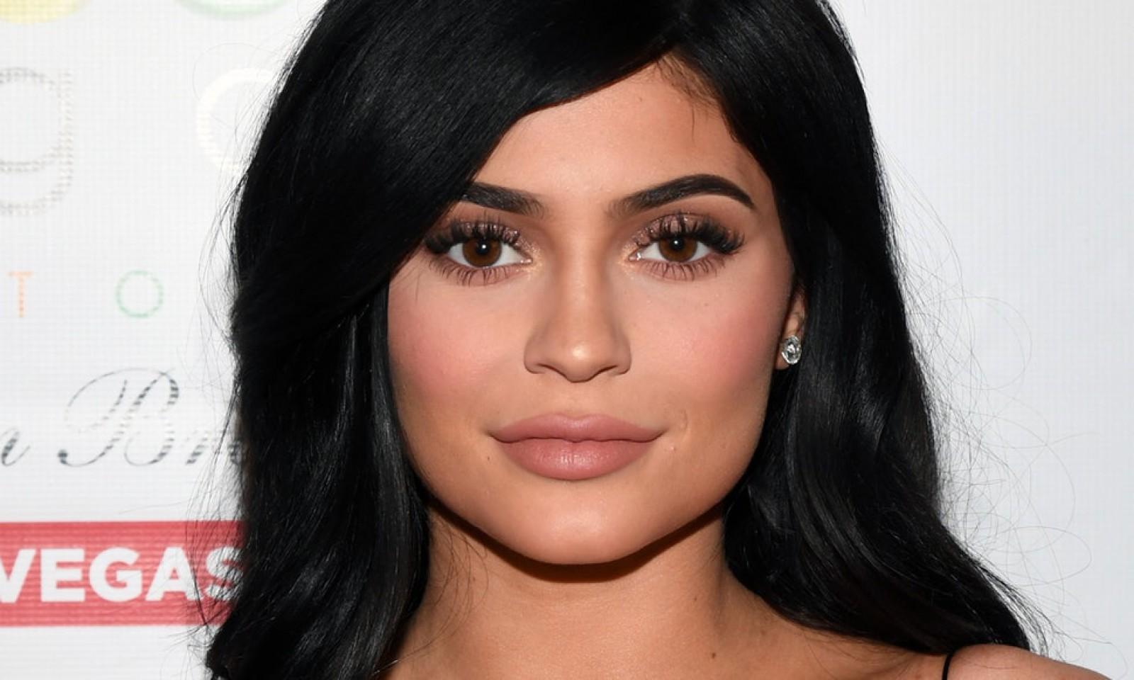 """Kylie Jenner, sora lui Kim Kardashian, la un pas să devină cea mai tânără miliardară """"autorealizată"""""""