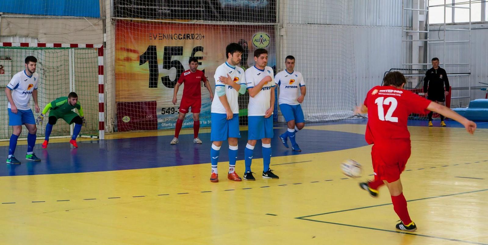 La Chișinău a demarat turneul Open Cupa Presei la futsal