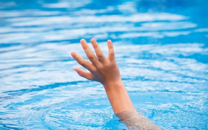 Lacrimi și durere pentru o familie din Fălești: O fetiță de cinci ani s-a înecat într-un lac din localitate
