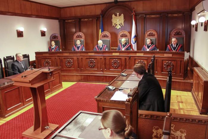(video/update) Ultima oră: Igor Dodon a rămas fără atribuția de a-l numi pe Eugen Sturza în calitate de Ministru al Apărării