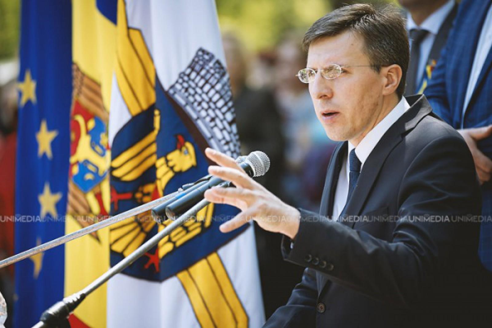 """(video) Dorin Chirtoacă și-a prezentat raportul pentru 10 ani de activitate la Primăria Chișinău: """"Predau ștafeta lui Valeriu Munteanu"""""""