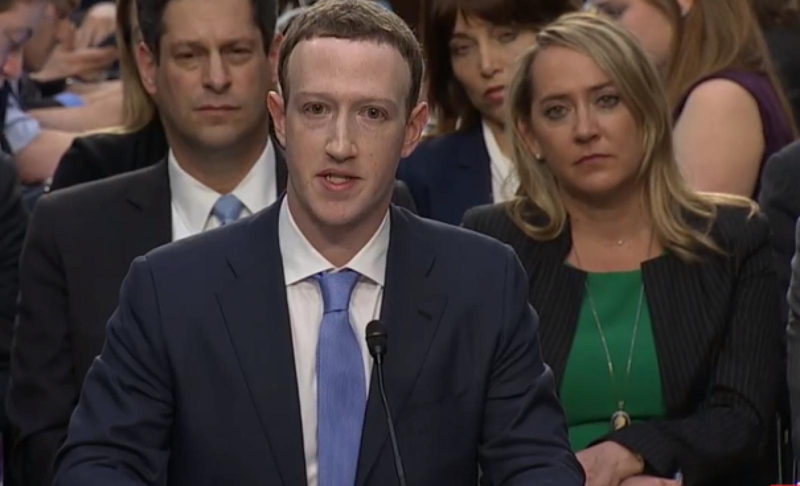 (video/update) Declaraţie surpriză din partea lui Zuckerberg, în a doua zi de audieri în Congresul SUA: CEO-ul Facebook susţine că şi datele lui au fost preluate de Cambridge Analytica