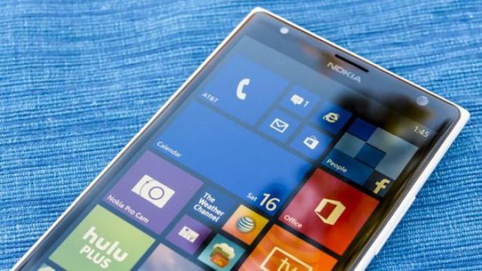 Microsoft admite, în sfârşit, că Windows Phone e mort
