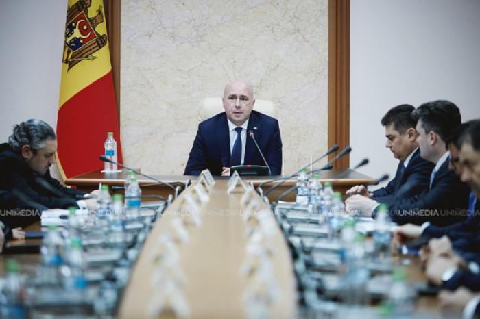 Miniștrii la raport. Democrații anunță posibile remanieri la Guvern