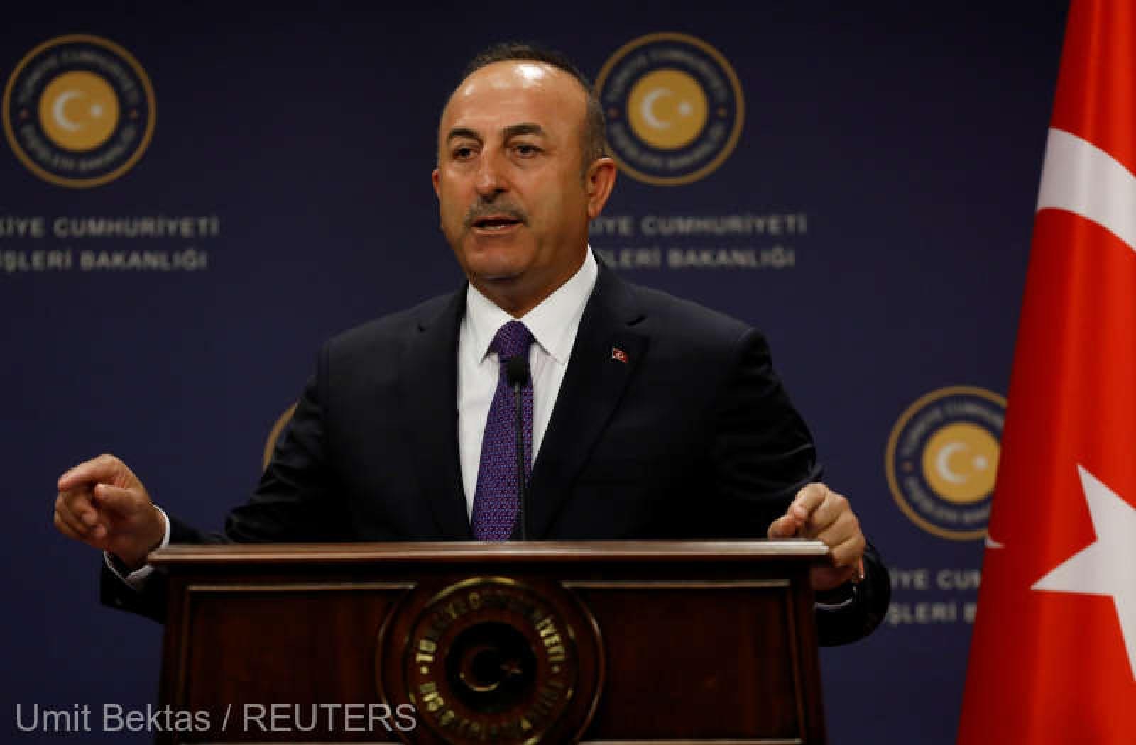 Ministrul turc de externe: Relaţiile Turciei cu Rusia sunt prea puternice ca să le rupă Macron