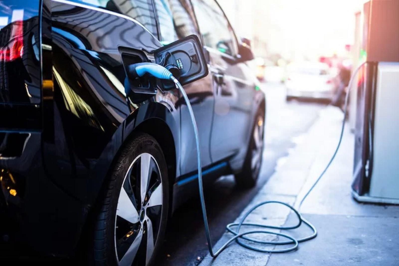 Moldova: Veste îmbucurătoare pentru posesorii de autovehicule electrice sau hibride
